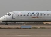 Máy bay Iran chở 135 người lao thẳng ra xa lộ