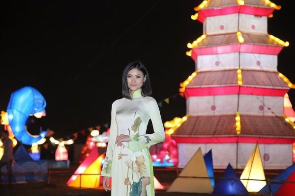 Hoa hậu biển Đào Thị Hà là đại sứ cho Lễ hội đèn lồng hữu nghị Việt -Hàn 2017