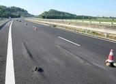 Sau ổ gà, cao tốc Đà Nẵng-Quảng Ngãi xuất hiện 'sóng trâu'