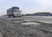 Cao tốc Đà Nẵng - Quảng Ngãi lại lở loét ngay đầu tuyến