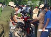 Người đàn ông tử vong bên xe máy ở mương nước
