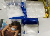 Bắt 1 phụ nữ bỏ nửa tỉ đồng mua 2,5 kg ma túy đá về bán lẻ