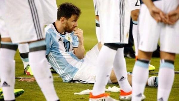 Messi lỗi hẹn ba trận chung kết