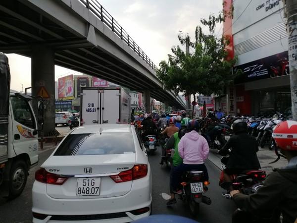 ket-xe-duong-Cong-Hoa-6