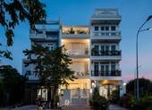 Ngôi nhà phố toàn màu trắng nổi bật ở Sài Gòn