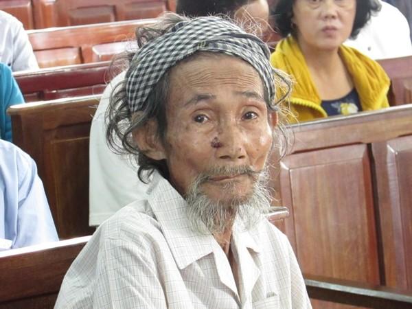 cụ ông 84 tuổi bị con đòi bỏ tù