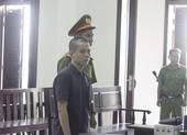 Lái ô tô mang ma túy đến quán cà phê thì bị bắt