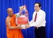Phó Chủ tịch Quốc hội chúc Tết Chôl Chnăm Thmây ở Sóc Trăng