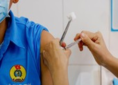 TP.HCM ưu tiên tiêm chủng vaccine COVID-19 cho 44.000 người