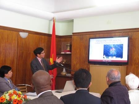 Ông Muhamed Nur Nordien tán thành các hoạt động hòa bình vì luật pháp quốc tế của Việt Nam.