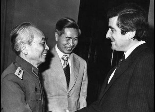 Giai đình Bộ trưởng Nguyễn Cơ Thạch. Ảnh gia đình cung cấp