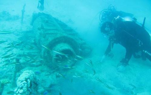 Hãng tin Tân Hoa xã của Trung Quốc đăng tải ảnh về hoạt động khảo cổ ở Biển Đông.