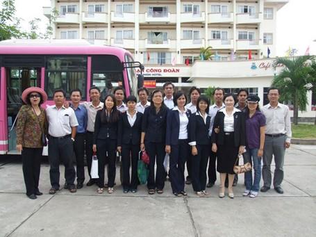 Thông báo về việc mặc đồng phục đối với giảng viên Trường ĐH Ngân hàng TPHCM