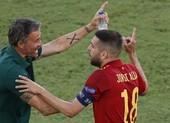 Đại thắng 5 sao may mắn, Tây Ban Nha 'gáy' vang trời