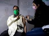 Hơn 12.400 người Israel nhiễm COVID-19 dù đã tiêm vaccine