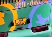 Tài xế xe khách dán băng dính vào biển số để né phạt nguội