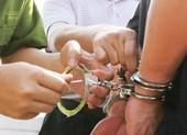 Cựu chủ tịch xã bị bắt giam vì lừa đảo