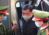 Ông Đinh La Thăng xuất hiện tại toà vụ án thứ 4