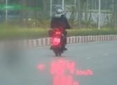Phóng xe máy 104 km/giờ, thanh niên bị xử phạt tới 5 lỗi