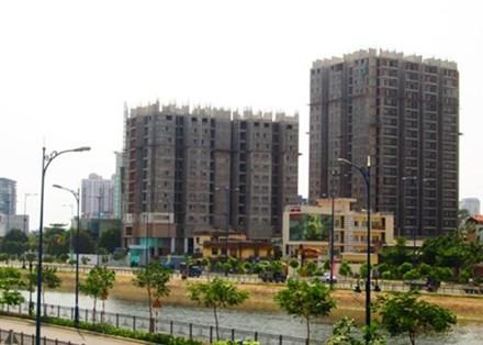 Nhiều doanh nghiệp địa ốc đang xúc tiến kế hoạch tăng vốn để chuẩn bị tài lực đón sóng làn sóng mới của thị trường bất động sản năm 2015. Ảnh: Vũ Lê (VnExpress).
