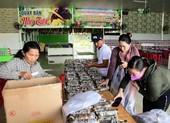 2.500 đòn bánh tét gửi đồng bào miền Trung