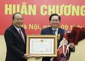 Nguyên Bộ trưởng Nội vụ nhận Huân chương Độc lập Hạng Nhì