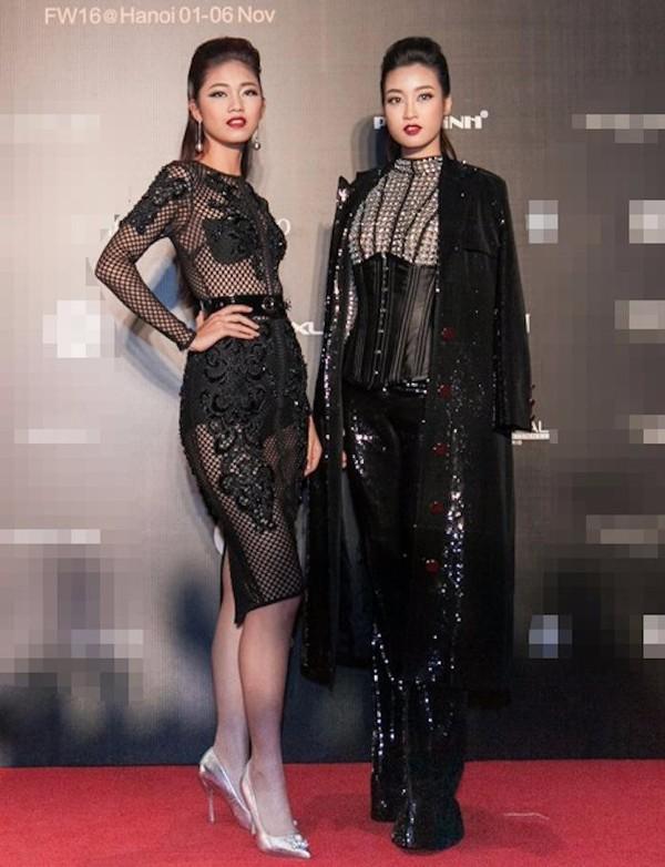 Á hậu Thanh Tú cùng hoa hậu Đỗ Mỹ Linh cũng không ngần ngại khoe đường cong trong một thiết kế lưới. Ảnh VTC