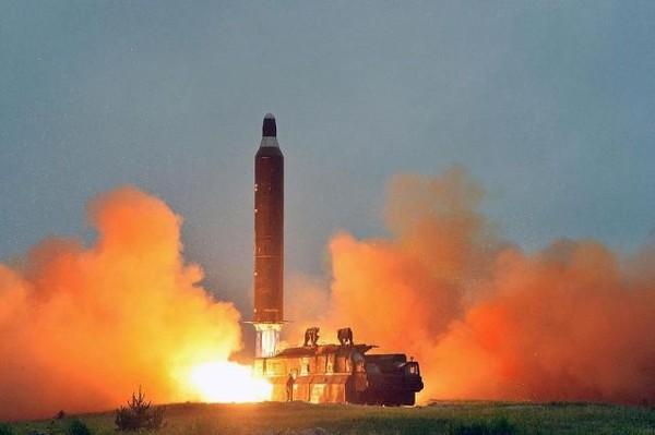Sáng 19-7, Triều Tiên phóng liên tiếp 3 tên lửa đạn đạo.
