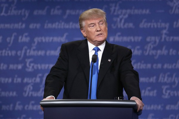 Ông Trump trong buổi tranh luận.  Ảnh: AFP