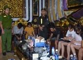 32 nam nữ dương tính ma túy tại quán karaoke