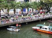 Người đàn ông nhảy xuống sông Hàn quá nhanh, không ai cứu kịp