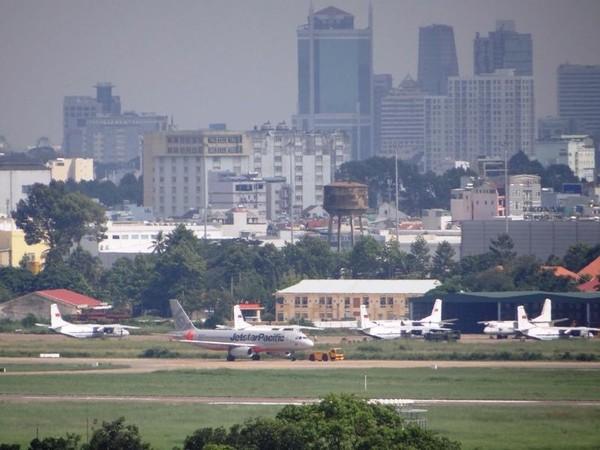Khu vực đậu máy bay bên trong sân bay Tân Sơn Nhất hay bị ngập