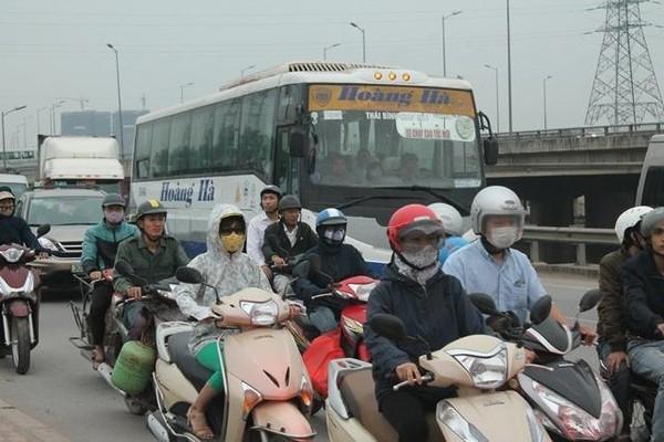 xe cá nhân tăng cao gây ùn tắc nghiêm trọng ở khu vực TP