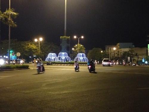 Đường Nguyễn Tất Thành, TP Quy Nhơn, nơi các đối tượng đua xe bị bắt, xử phạt hành chính