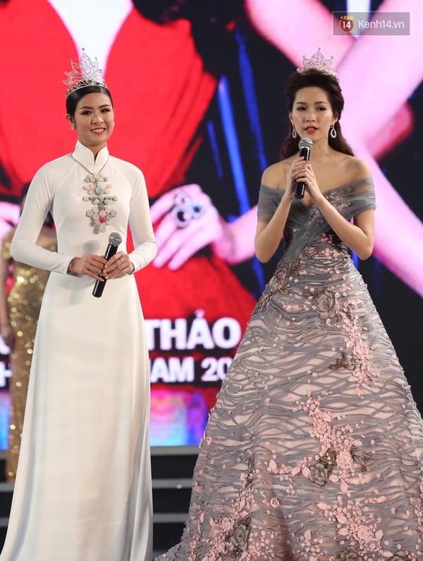 Lần đầu tiên, cả 6 Hoa hậu Việt Nam cùng tề tựu và khoe sắc trên 1 sân khấu! - Ảnh 12.