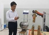 Học sinh chế tạo cánh tay robot