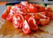 8 thực phẩm lành mạnh ăn sai cách có thể gây nguy hiểm