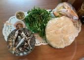 Về Quế Sơn ăn bánh tráng sắn với cá nục hấp