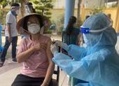 TP Thủ Đức tiêm vaccine ngừa COVID-19 cho người dân trong khu phong tỏa