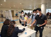 Dừng cấp thị thực cho người nước ngoài vào Việt Nam