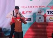 Thí sinh Hoa khôi sinh viên gây ấn tượng mạnh với màn múa
