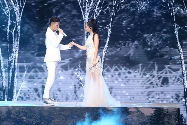 Ở phần song ca cùng HLV, Ali Hoàng Dương và Thu Minh thể hiện bản mashup với 2 hit của chính HLV Thu Minh là Đừng yêu - Yêu mình anh.