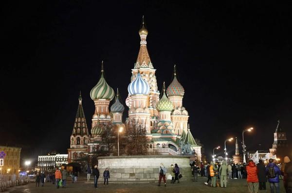 Nhà thờ chính tòa Thánh Vasily cũng hưởng ứng chiến dịch Giờ Trái đất 2019. Ảnh: AFP 1