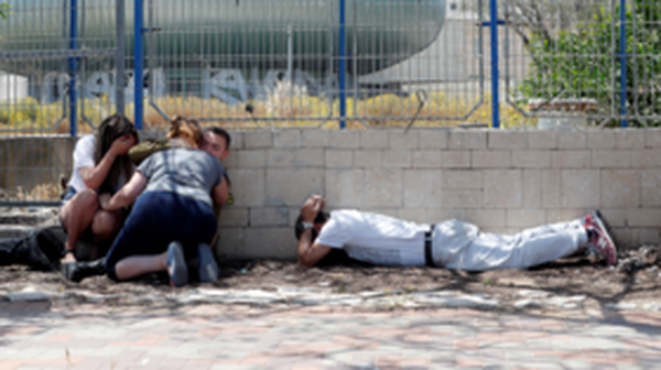 4 Israelis wounded 50 km south of Tel Aviv in ongoing Gaza rocket attack - reports