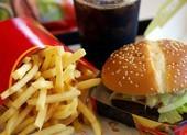 Gọi 911 vì muốn ăn hamburger, bé 5 tuổi được như ý