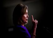 Bà Pelosi cáo buộc ông Trump 'che đậy' bằng chứng luận tội