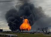 60.000 người phải sơ tán vì nhà máy hóa chất phát nổ