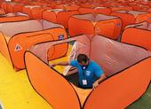 COVID-19 ĐNA: 4.500 du khách màn trời chiếu đất ở Philippines