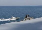 11 tàu Iran bị tố dàn trận bao vây tàu Mỹ ở vịnh Ba Tư
