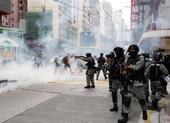 Hàng ngàn người Hong Kong biểu tình phản đối dự luật an ninh
